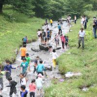赤城山で川遊び